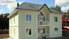 Дом с цокольным этажом и бассейном 380м2